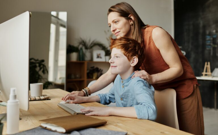parent's-guiding-teaching-coding-at-home